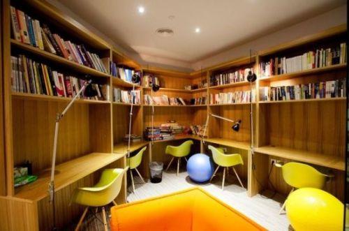 个性化的办公空间家具展示