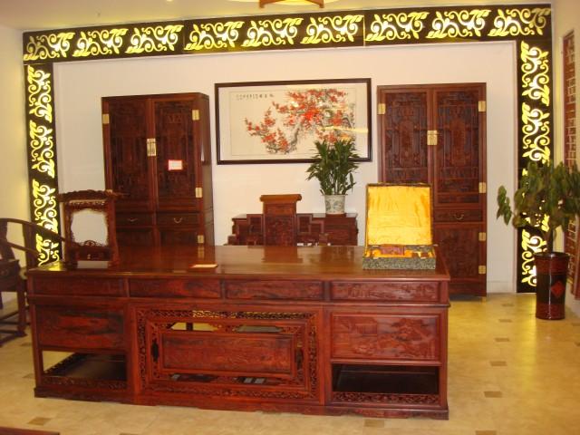 红木家具,办公室大班台展示