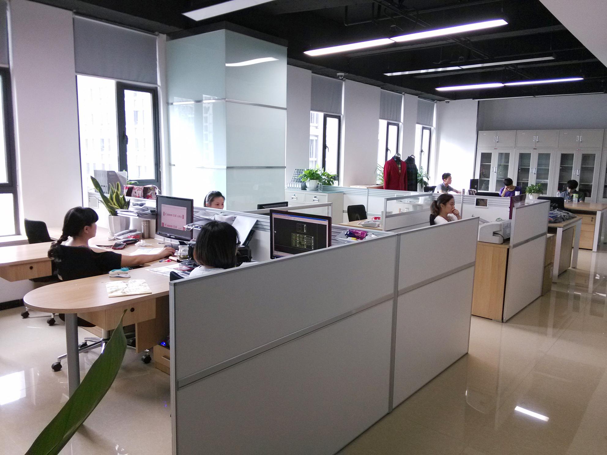 创业办公空间以及其办公家具